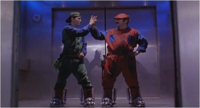 Luigi (John Leguizamo) ja Mario (Bob Hoskins)